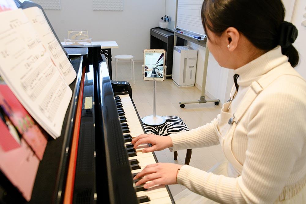 オンラインピアノレッスンの様子